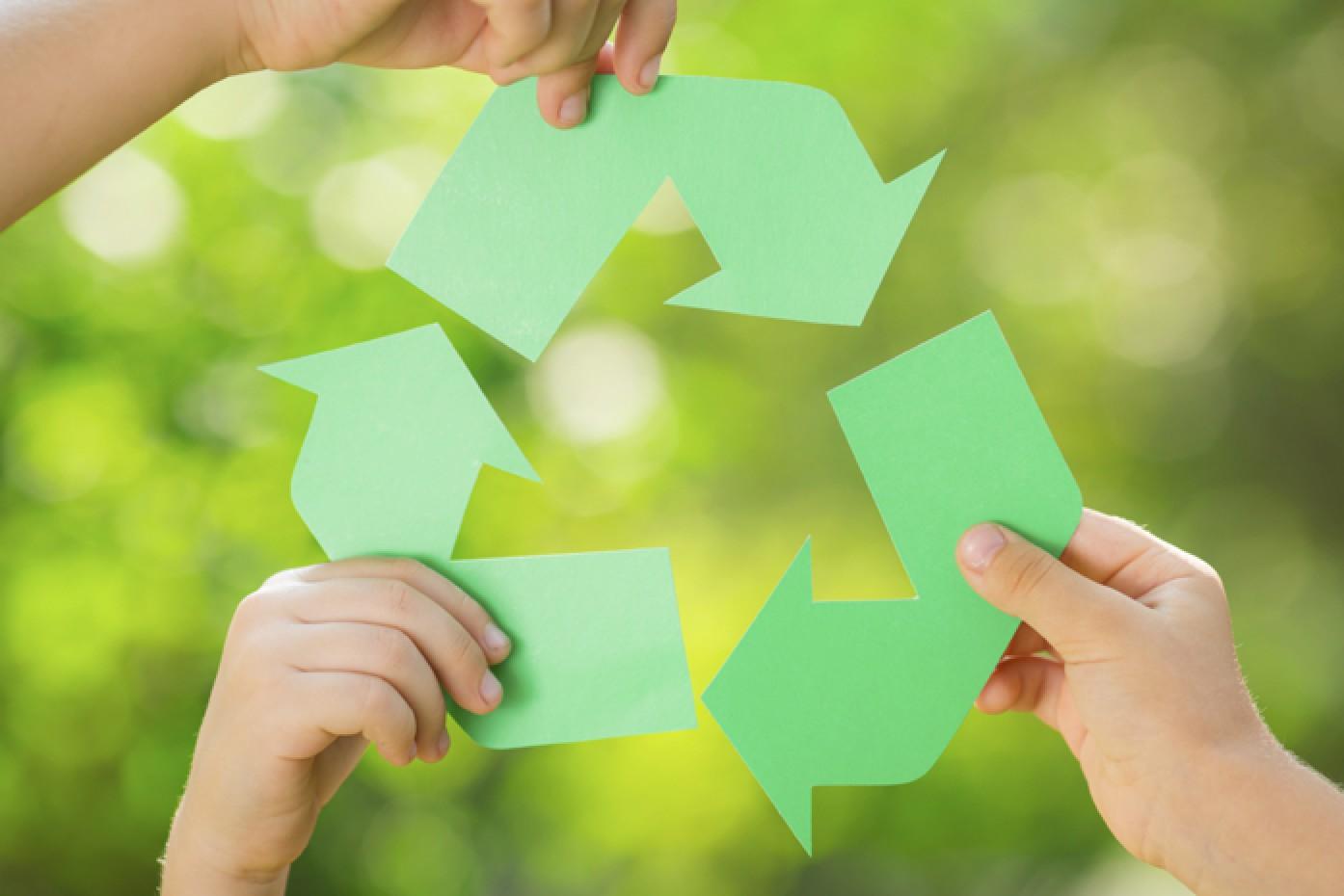 c18bd8e94f7d99c2bc0d93cbbc4f3e1a_Paper-Recycling1-697-c@2x.jpg (1394×930)